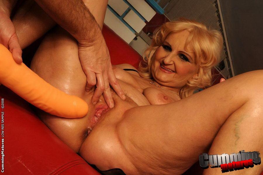 Granny sex squirt
