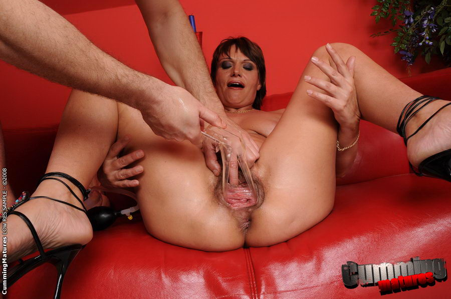 Licking granny squirting porn pics