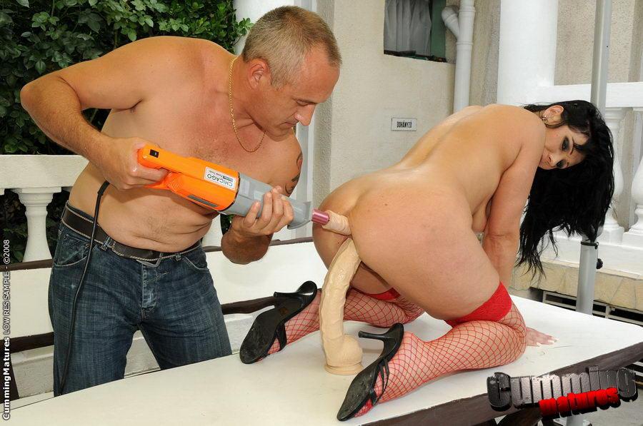 смотреть порно ролик в секс шопе знакомит свою