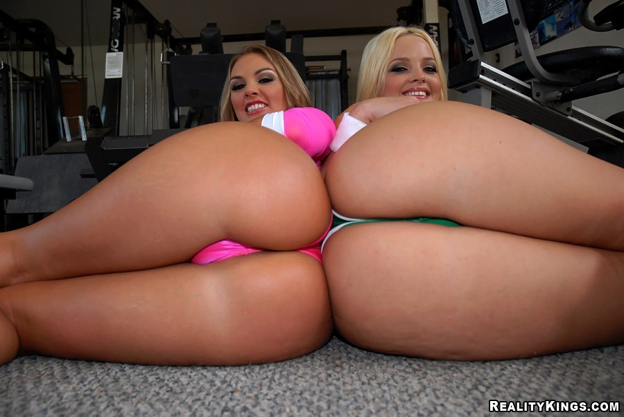 Realitykings monster curves sexy seamstress starring cha - 3 part 1