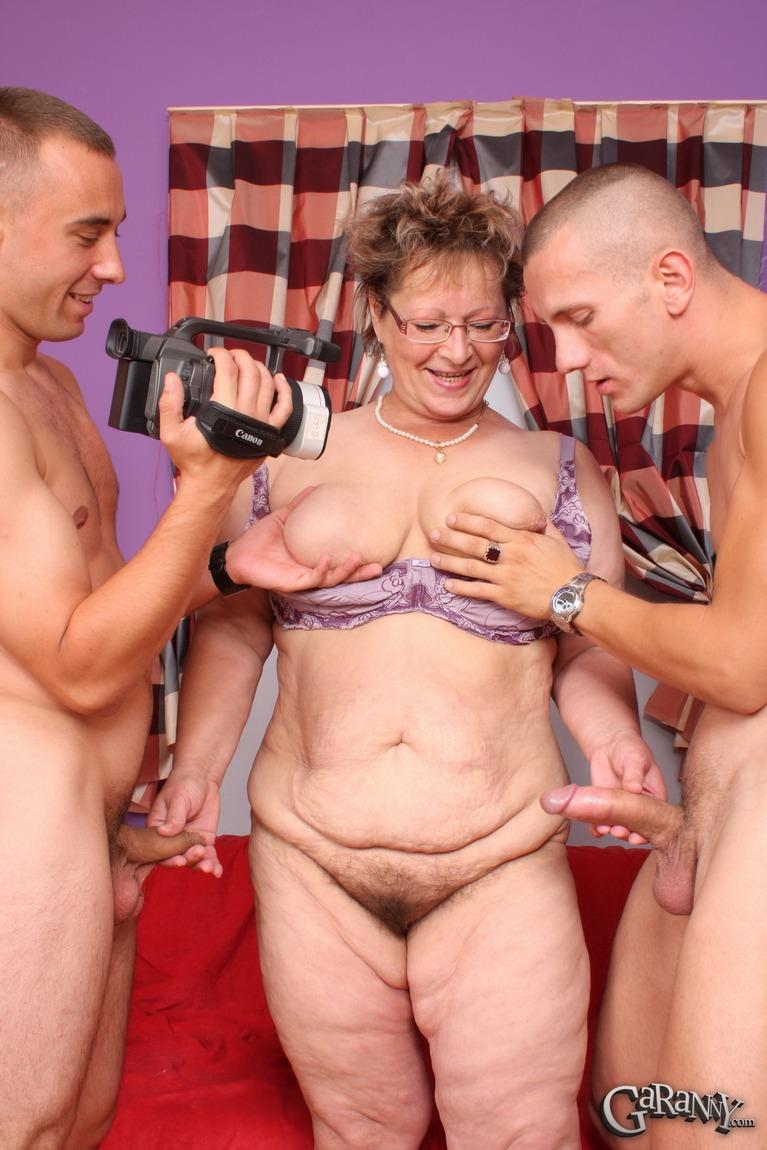 Granny threesome videos — pic 10