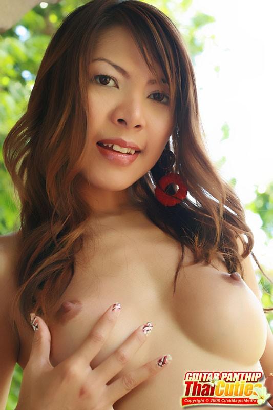 pornpics-wet-felicia-nude-thai-cutie-licking-vagina