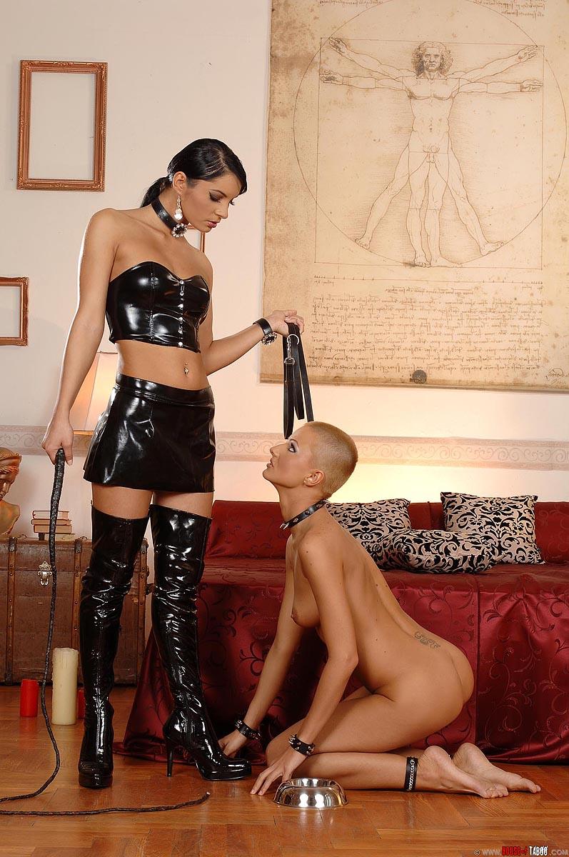 Секс с рабом на поводке у хозяйке