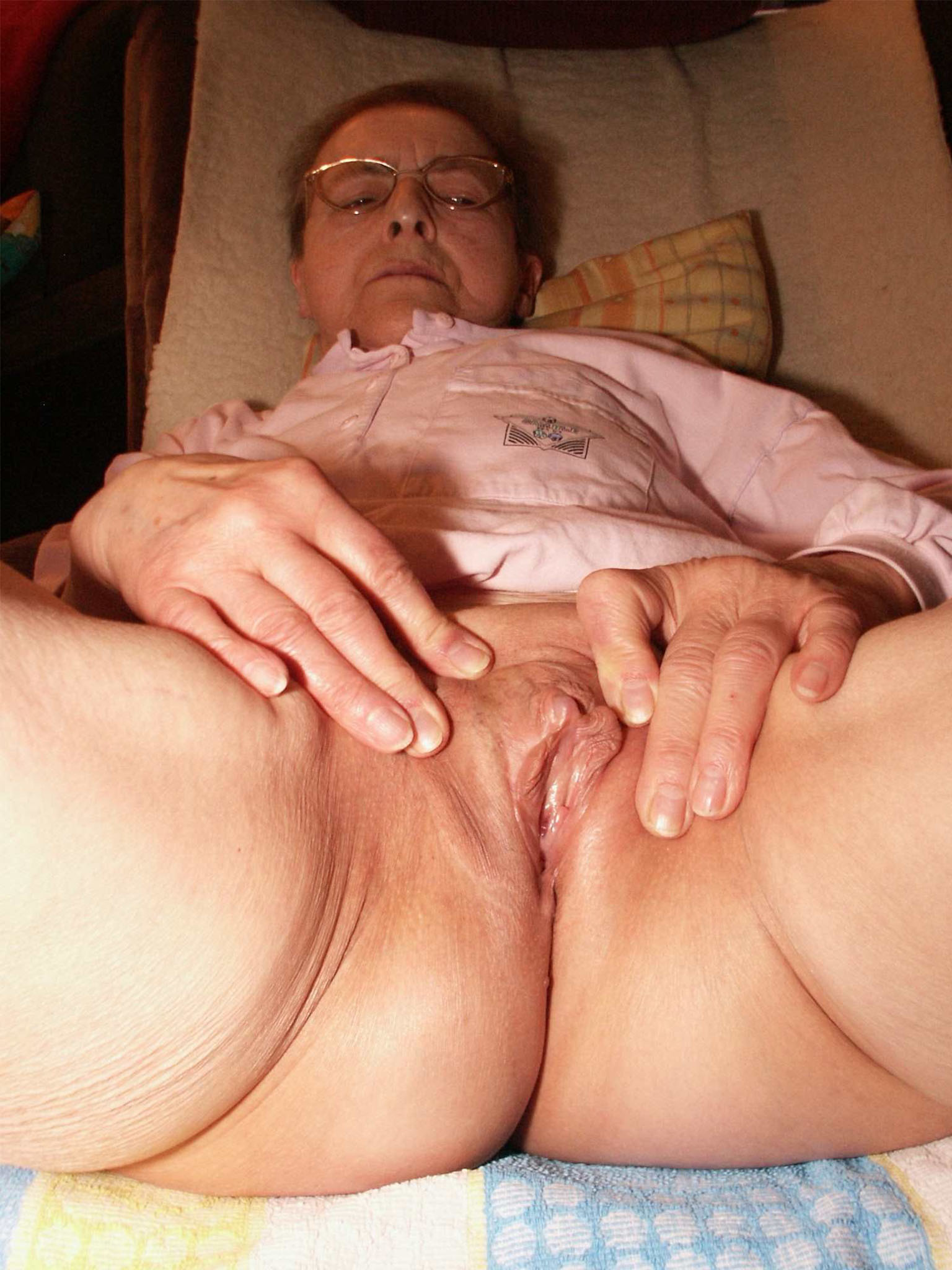 very-old-pussy-fuck-moms-first-anal-sex-video