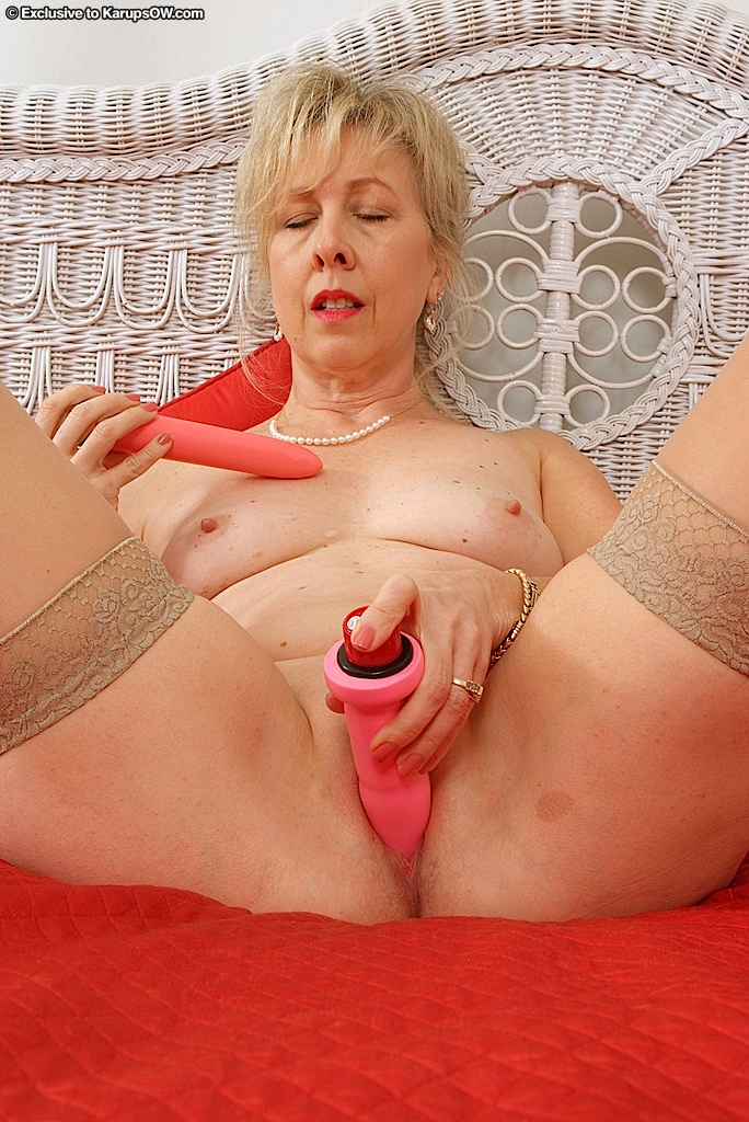 hot-bbw-granny-linda