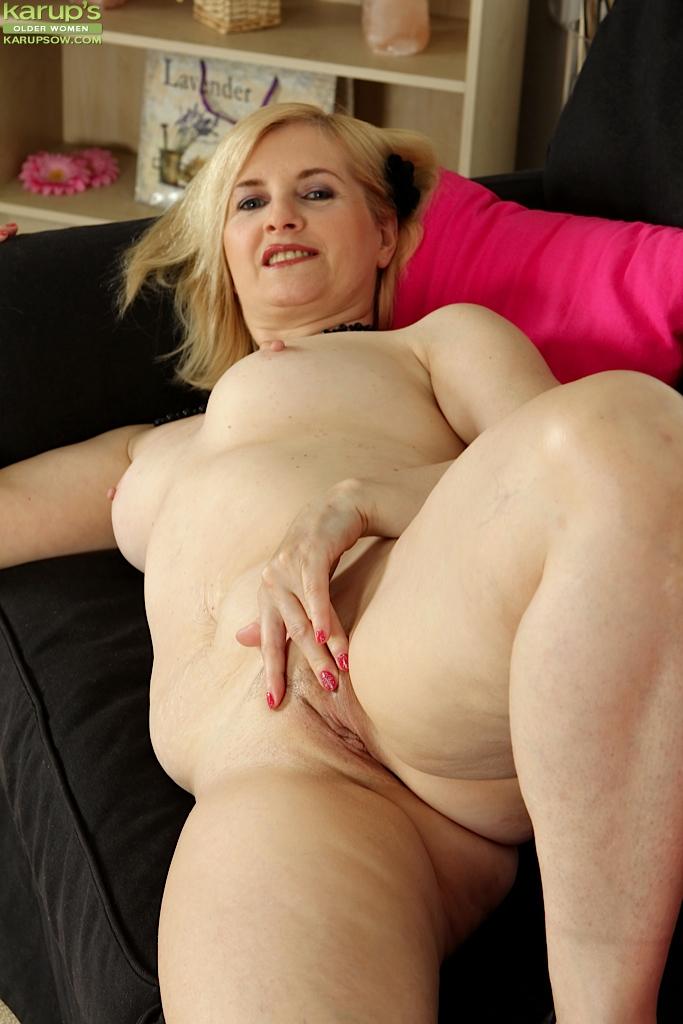 amateur-older-women-ass-naked-pictures-claudia-galanti-nude-pics