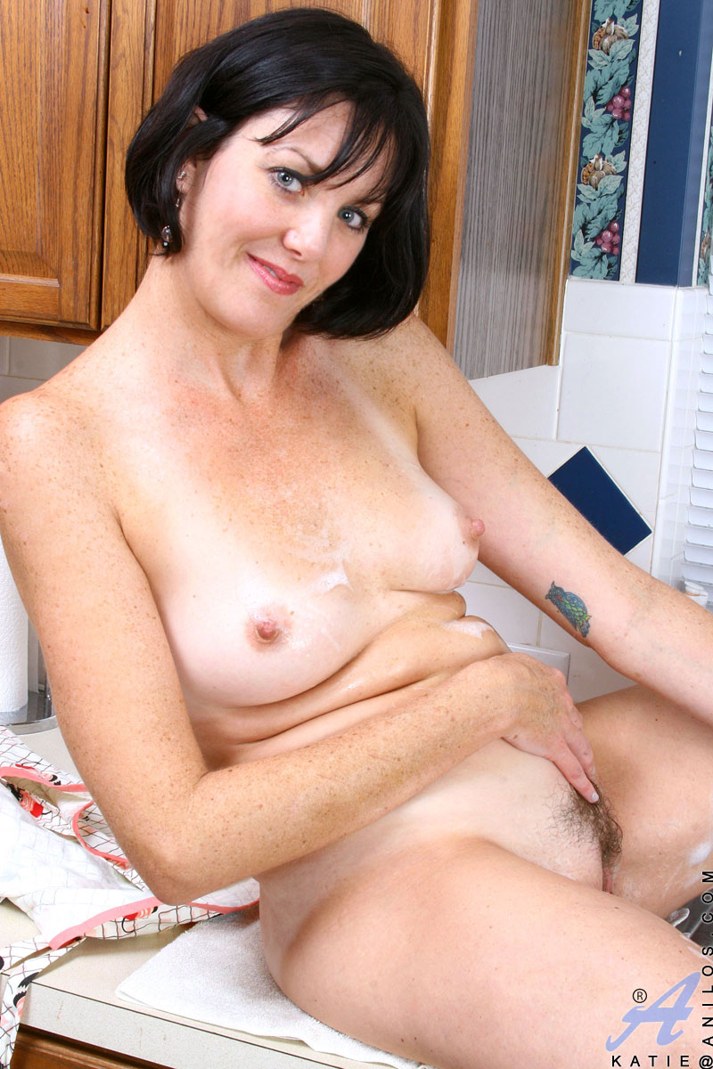 horny housewive
