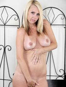 Kylie Thumbnail 7