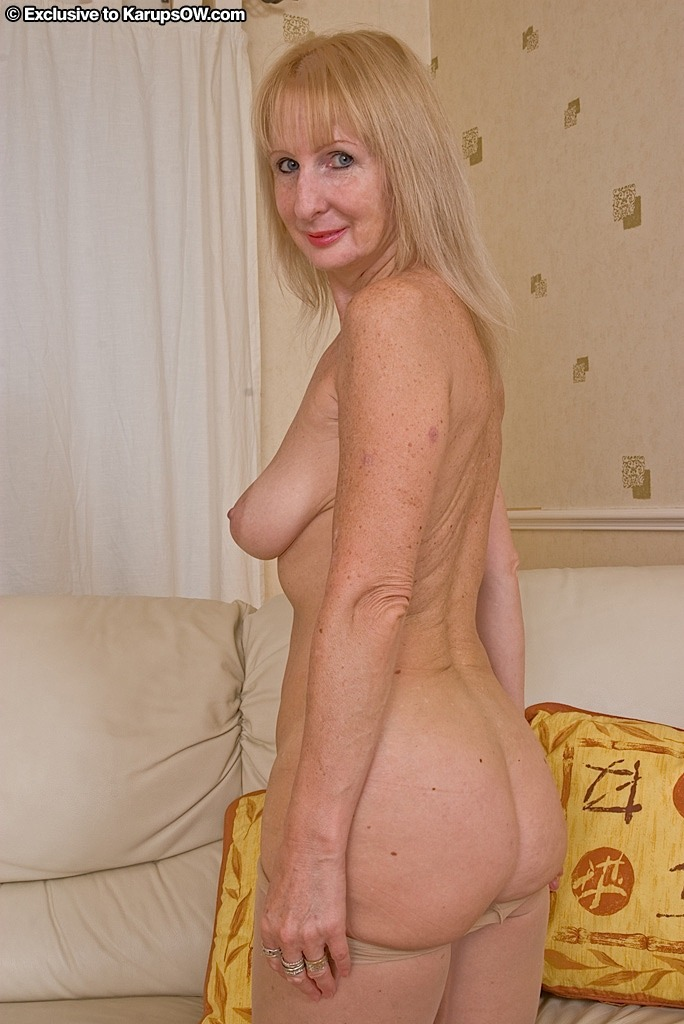Mature Women Nude Gallery