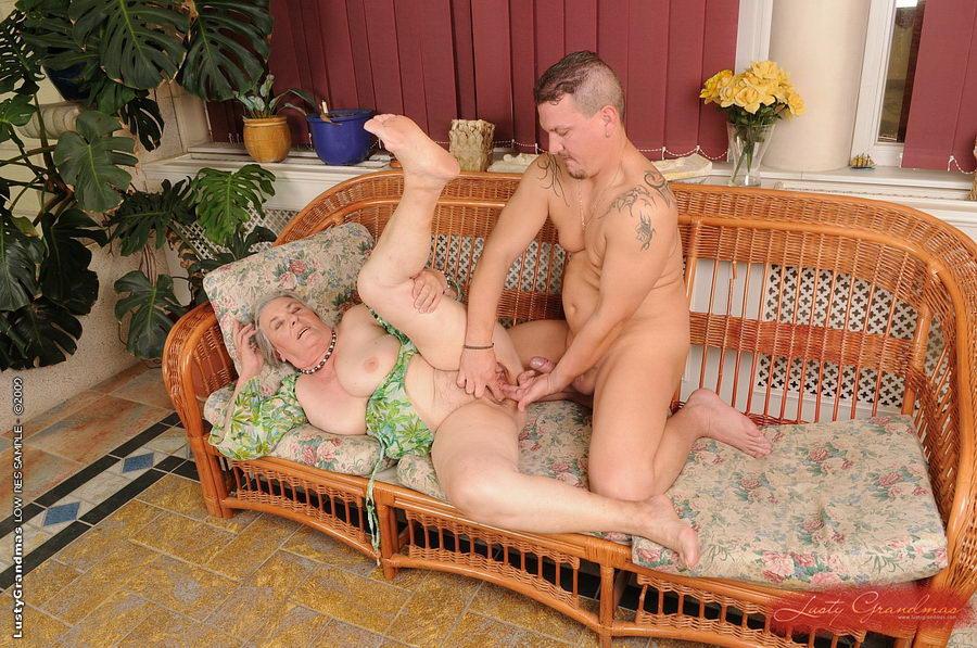 читать про секс в доме престарелых ногах ларисы