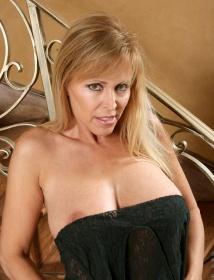 Nicole Moore Thumbnail 6