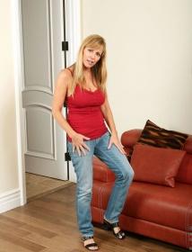 Nicole Moore Thumbnail 5