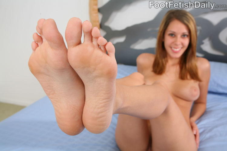 Tails foot fetish-4904