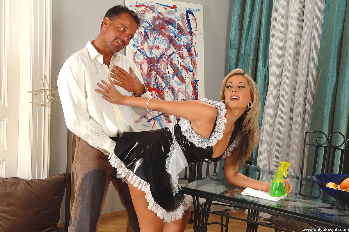 porno-models-french-blow-jobs-throws-dildo-dad