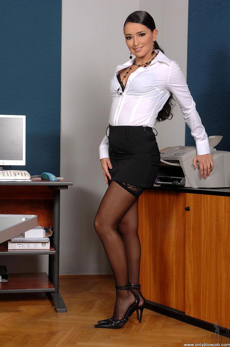 Sexy secretary blowjob