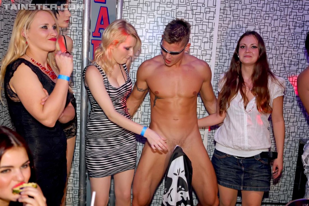 Large dick cfnm party hardcore pictures blonde tall skinny