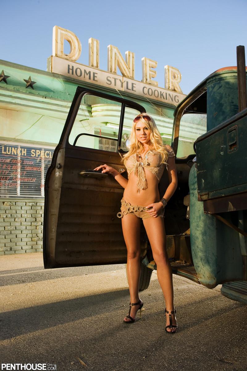 Busty Porn Teens Titten Nudes shawna lenee - incredible tits