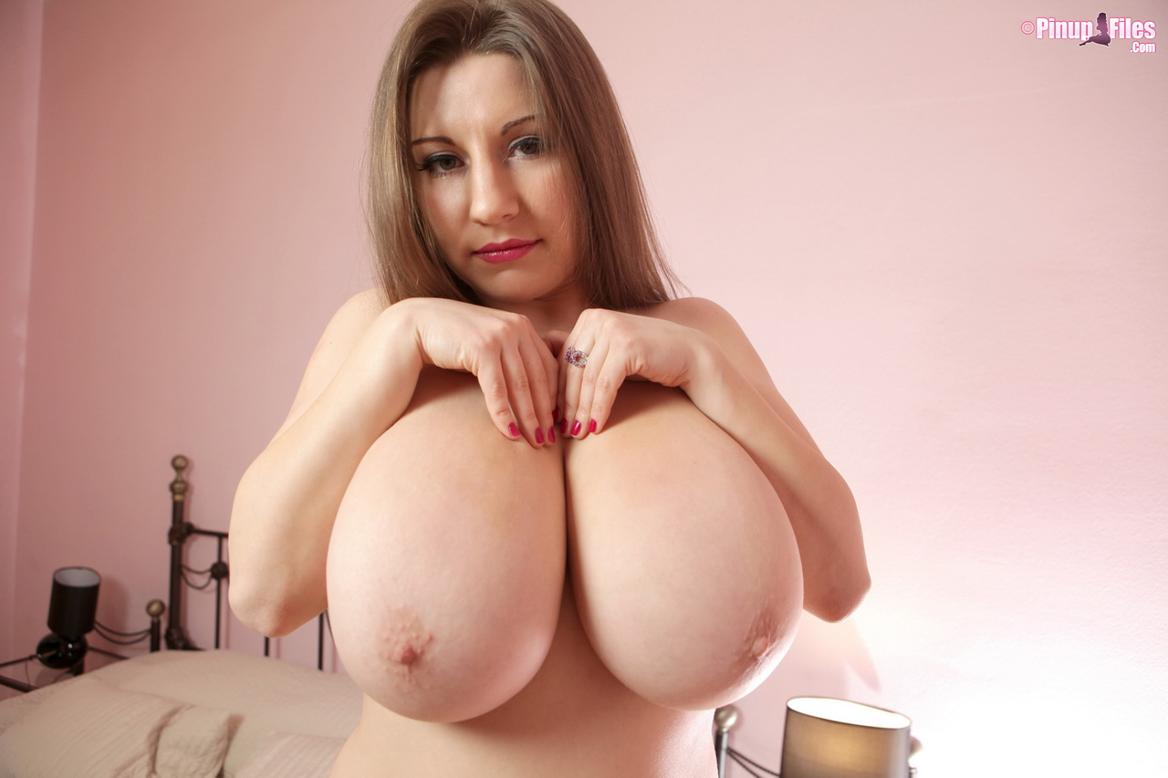 Samanta lily big boobs