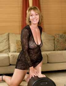 Samantha Stone Thumbnail 3