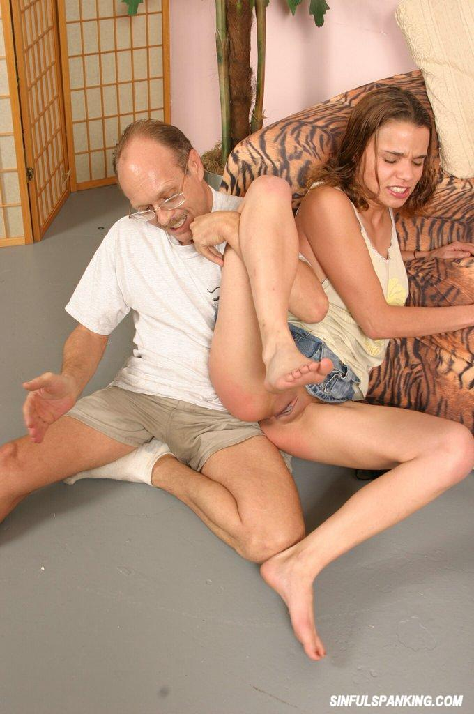 Bree spank porter on bottom