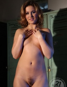 Ilona Thumbnail 5