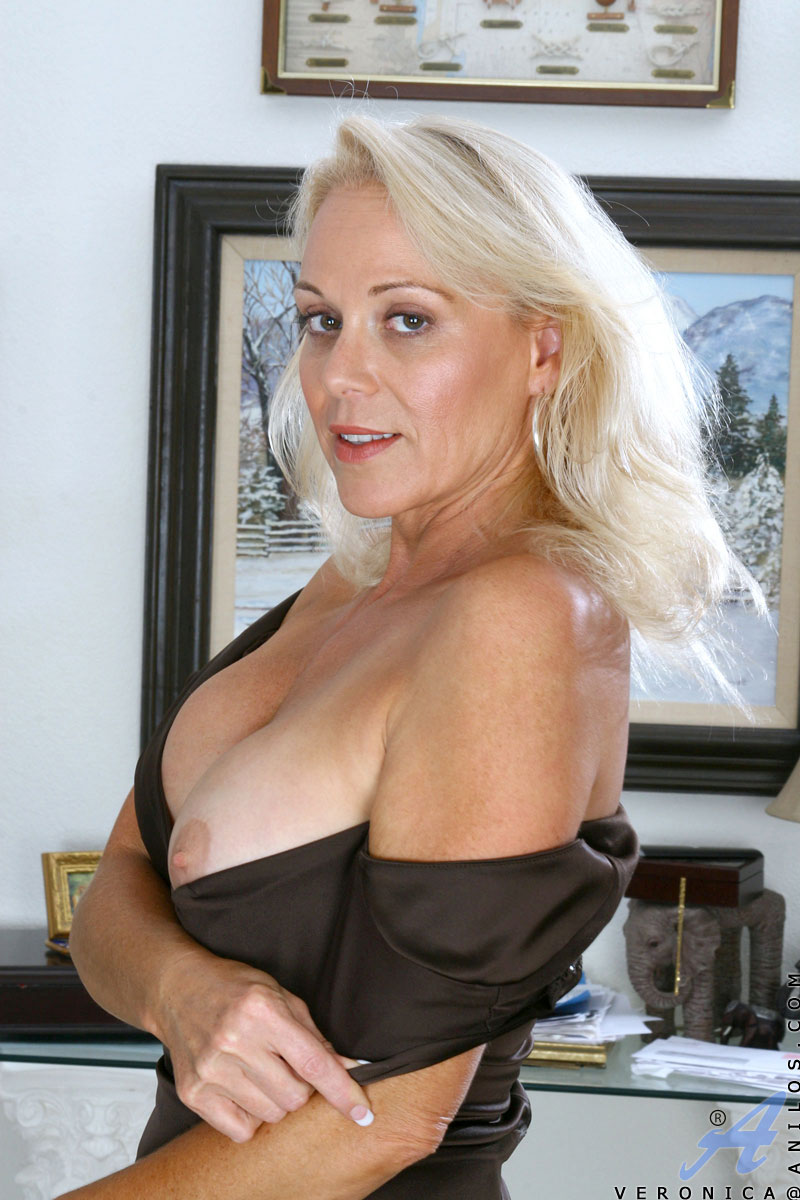 Apologise, but, mature blonde cougar veronica well you!