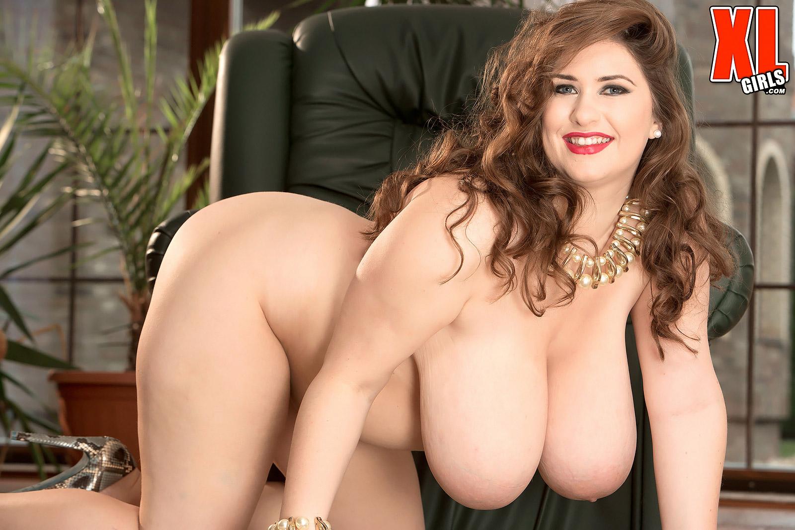 big tit pregnant nude